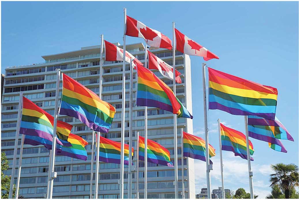 LGBTQのシンボルである虹色の旗がキレイ