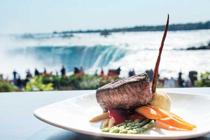 カナダの大自然に包まれた絶景レストラン  カナダって実にいいところ