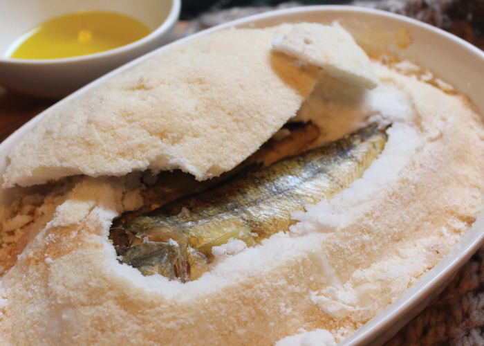 アウトドアでもできる!白身魚の塩釜焼き うんちく好きシェフのかんたんレシピ