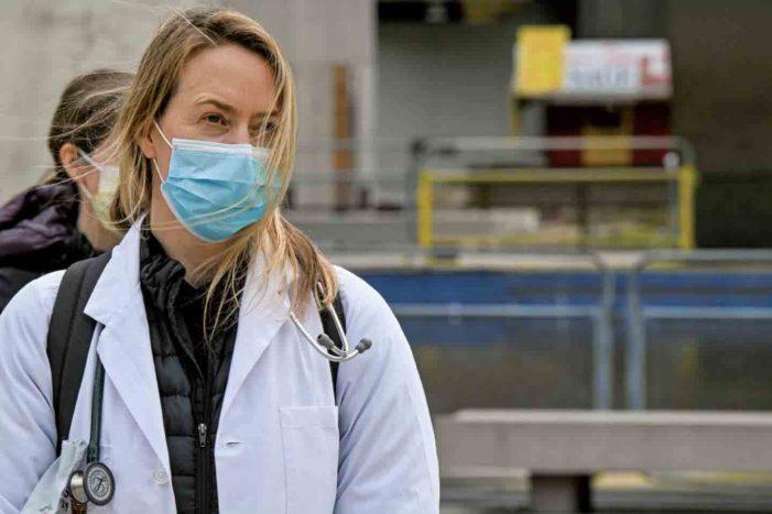 ブリティッシュコロンビア大学(UBC)の医学部生による医療従事者へのサポート|コロナ禍で医療従事者を支えた感動ストーリー