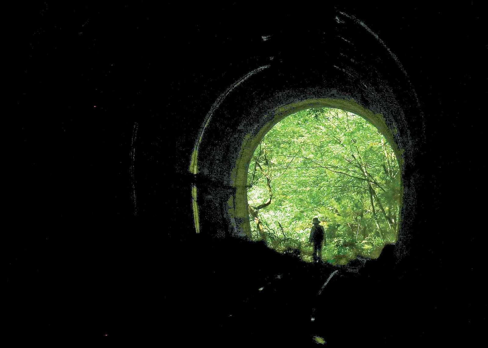 昭和27年建設の資材運搬用電車トンネル