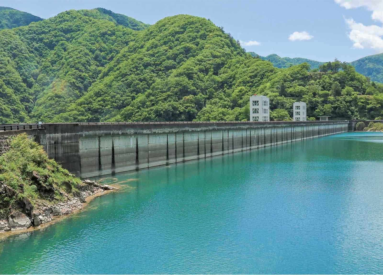 小河内ダムのために作られた奥多摩湖