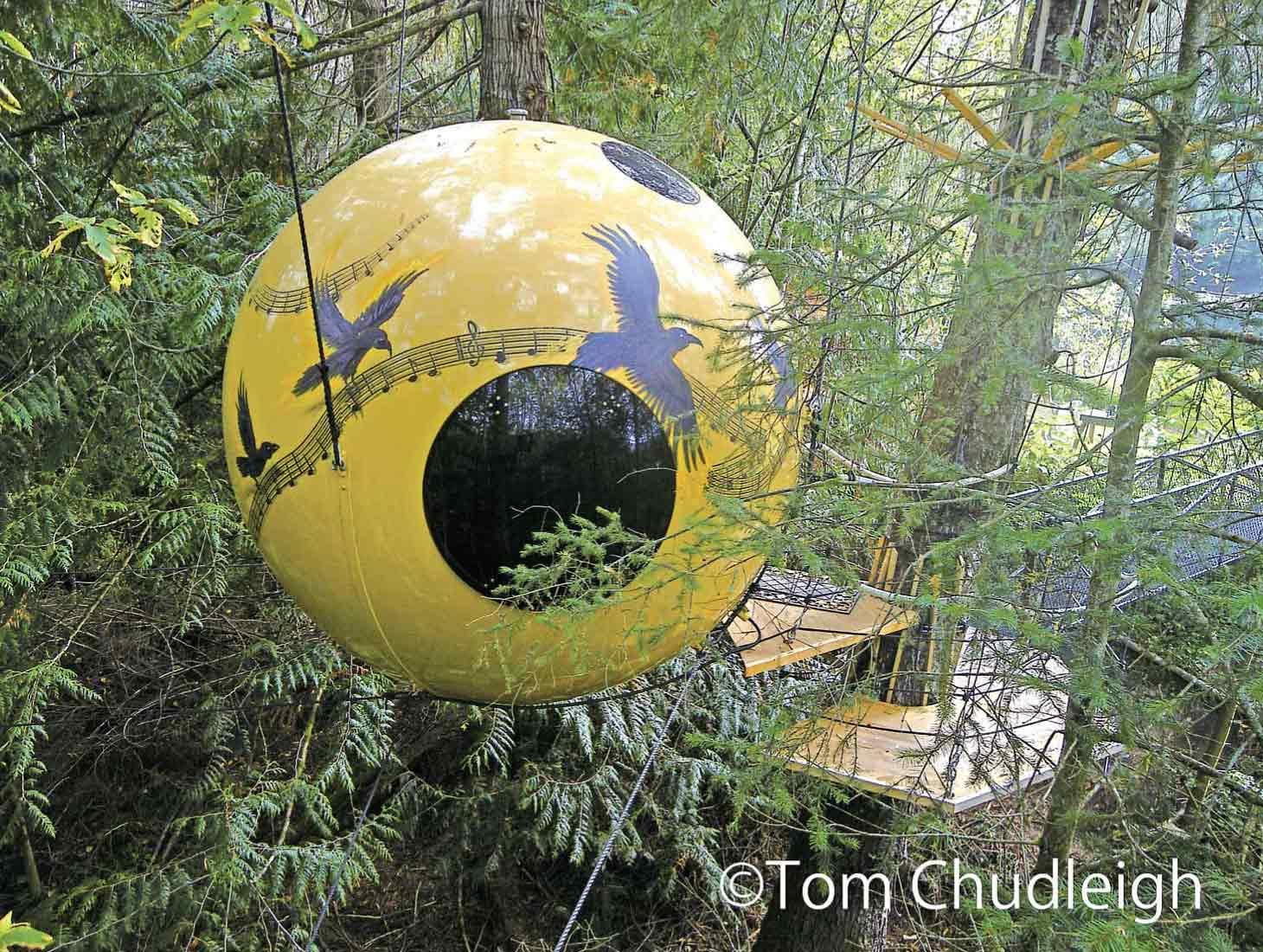 「Free Sprit Spheres」の球体ツリーハウス。こちらは「MELODY」