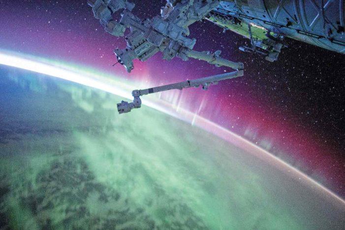 カナダが世界の業界リーダー宇宙産業ビジネス|見えざる世界に今年大注目!宇宙特集