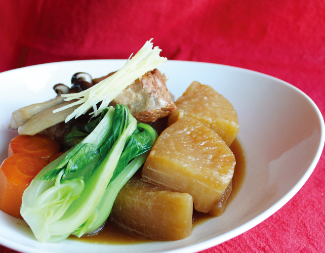 オーブンに入れて煮込んでしまう!豚バラ肉と大根の煮物|うんちく好きシェフのかんたんレシピ